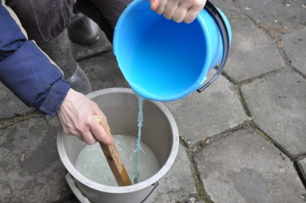 Dilution of the solution of copper sulphate